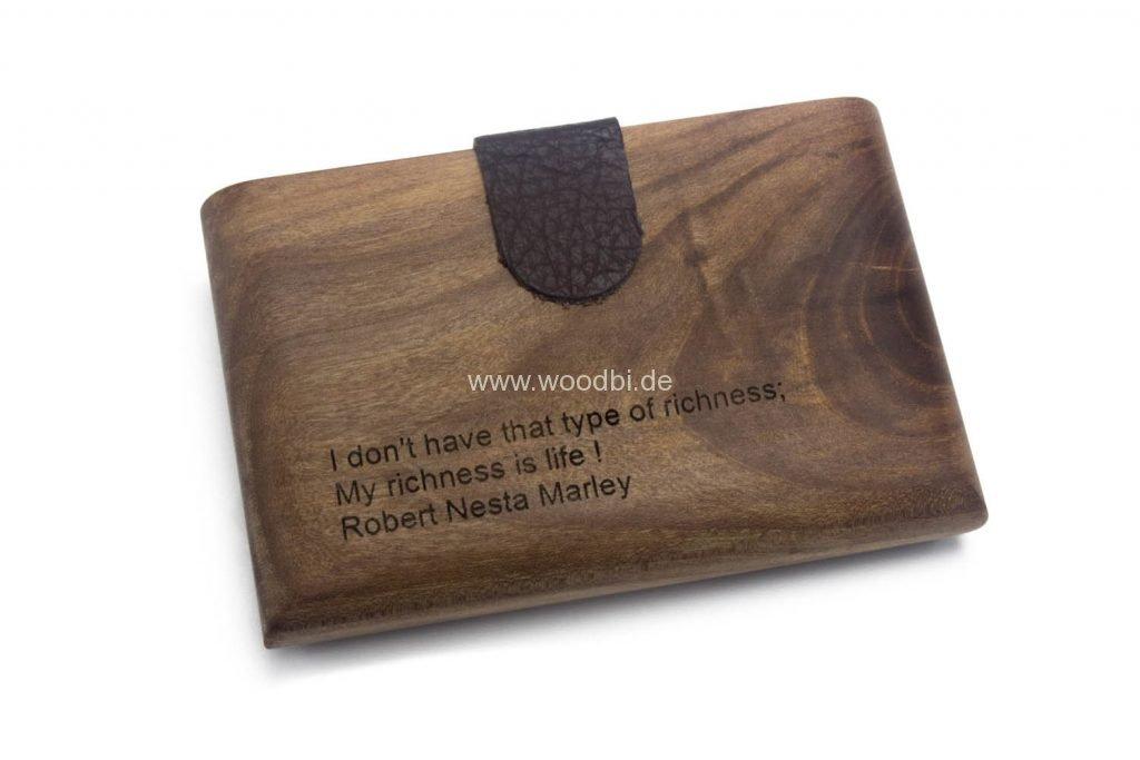 Lasergravur auf dem Holzcase
