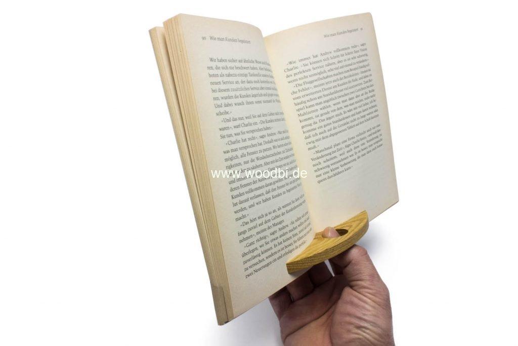 Lesedaumen aus Holz für alle Leseratten