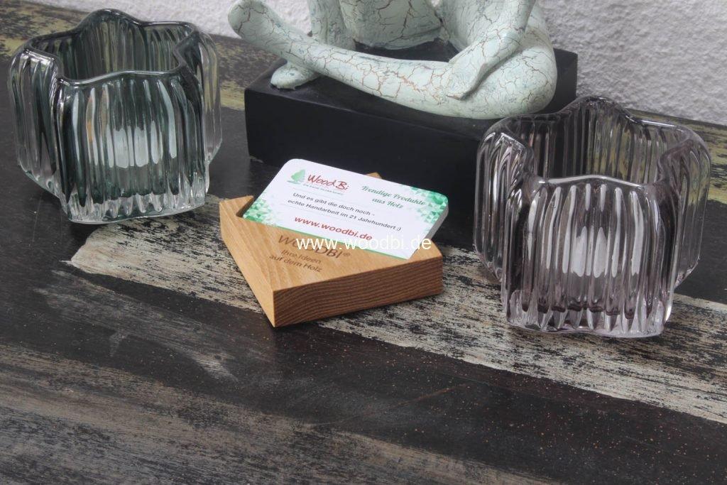 Visitenkartenbox mit Silikonfüßchen aus Holz