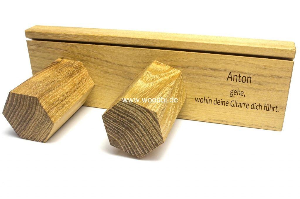 Gitarrenhalter aus Holz einstellbar