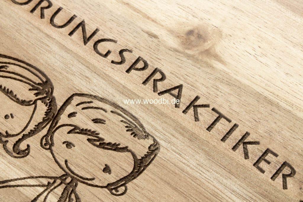 Gravur auf dem Holz Akazie